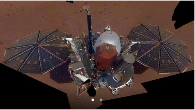 Tàu thăm dò NASA khoe nơi làm việc trên sao Hỏa - Ảnh 1.