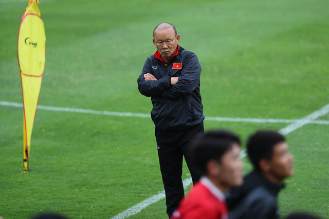Nỗi lo lắng của ông Park Hang Seo trước chung kết lượt về - Ảnh 2.
