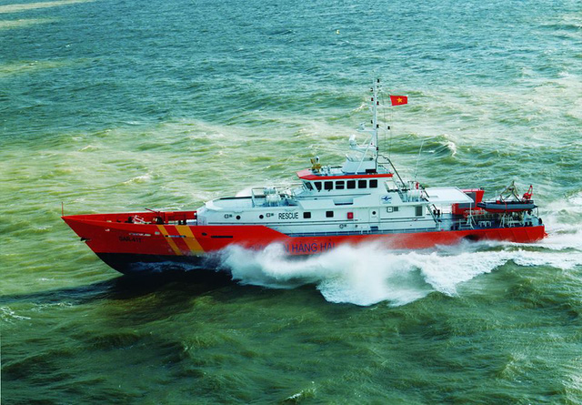 Tìm kiếm 3 ngư dân mất tích do chìm tàu ngoài biển Vũng Tàu - Ảnh 1.
