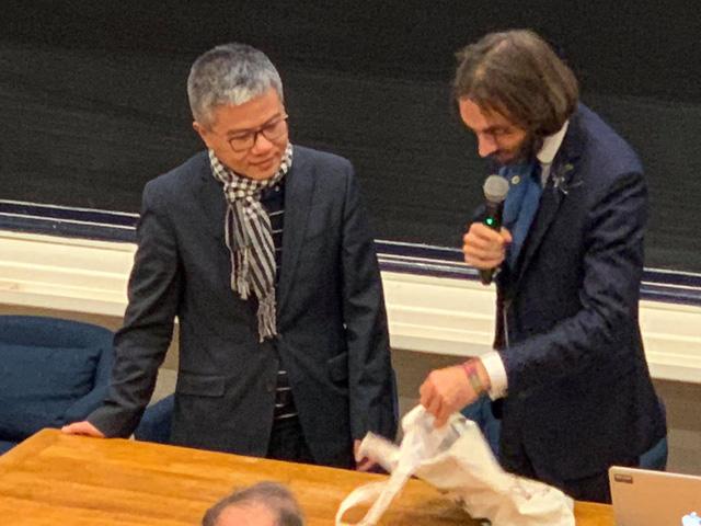 GS Ngô Bảo Châu nhận giải thưởng Toán học Maurice Audin - Ảnh 1.
