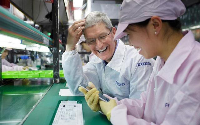 Apple chuẩn bị đường thoái lui về Mỹ? - Ảnh 1.