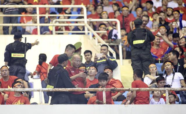 Hơn 2.000 cảnh sát và an ninh bảo vệ trận chung kết lượt về AFF Cup 2018 - Ảnh 1.