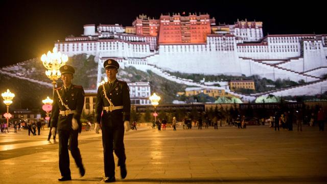 Mỹ thông qua luật yêu cầu Trung Quốc 'mở cửa' vùng Tây Tạng - Ảnh 1.