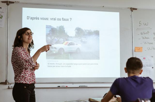 Pháp dạy học trò phân biệt tin giả trên mạng - Ảnh 2.