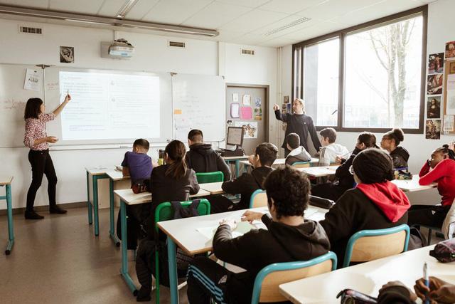 Pháp dạy học trò phân biệt tin giả trên mạng - Ảnh 1.