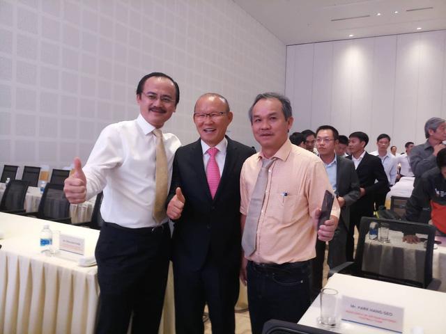 HLV Park Hang Seo hội ngộ bầu Đức và bầu Thắng tại Quảng Nam - Ảnh 1.
