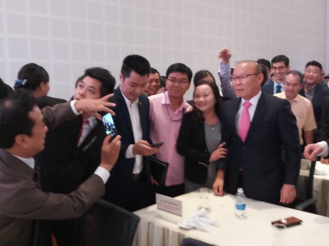 HLV Park Hang Seo hội ngộ bầu Đức và bầu Thắng tại Quảng Nam - Ảnh 5.