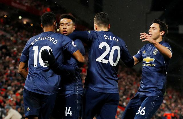 'Siêu dự bị' Shaqiri lập cú đúp, Liverpool đá bại M.U 3-1 - Ảnh 2.