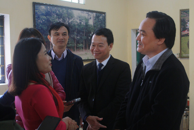Bộ trưởng Phùng Xuân Nhạ: Ngăn ngừa từ gốc xâm hại tình dục học sinh - Ảnh 1.
