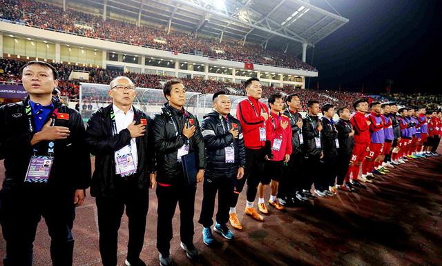 Nên chọn HLV Park Hang Seo làm đại sứ bóng đá của VN - Ảnh 1.