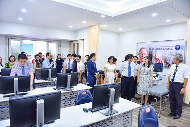 Triển khai số hóa trong y tế ở Đại học Y Dược TP Hồ Chí Minh - Ảnh 1.