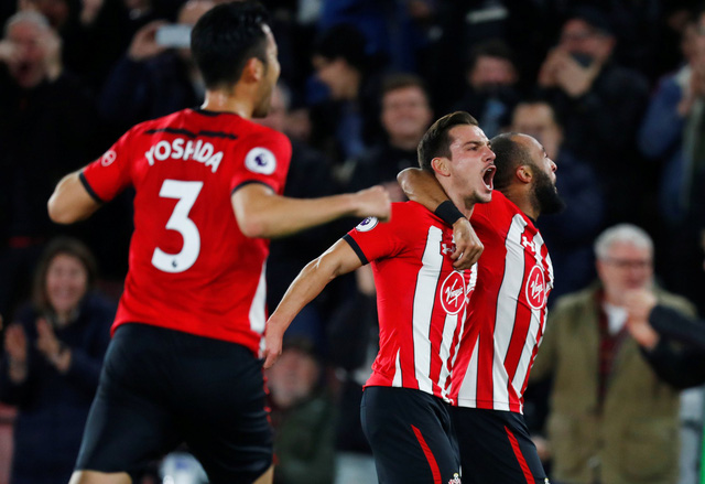 Lukaku và Herrera lập công, M.U thoát chết trước Southampton - Ảnh 1.