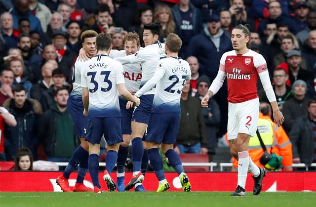 Arsenal thắng nghẹt thở Tottenham 4-2 sau cuộc rượt đuổi tại Emirates - Ảnh 2.