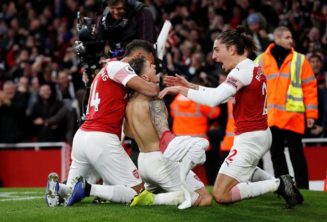 Arsenal thắng nghẹt thở Tottenham 4-2 sau cuộc rượt đuổi tại Emirates - Ảnh 3.
