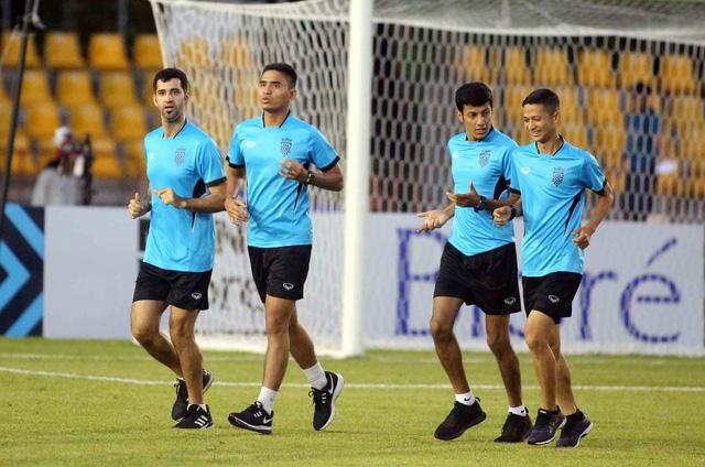 Trọng tài Qatar điều khiển trận Philippines - Việt Nam - Ảnh 2.