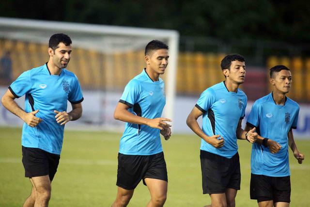 Trọng tài Qatar điều khiển trận Philippines - Việt Nam - Ảnh 1.