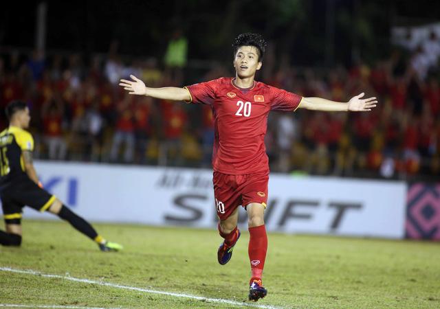 Phan Văn Đức là cầu thủ xuất sắc nhất trận Việt Nam - Philippines - Ảnh 1.