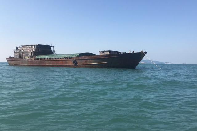 7 tàu Trung Quốc bị Cảnh sát biển giữ, doanh nghiệp kêu cứu - Ảnh 1.