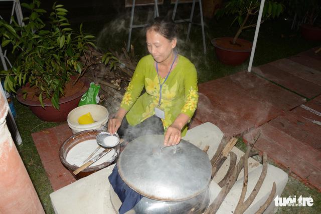 Khai mạc lễ hội bánh tráng phơi sương xứ Trảng Bàng  - Ảnh 2.