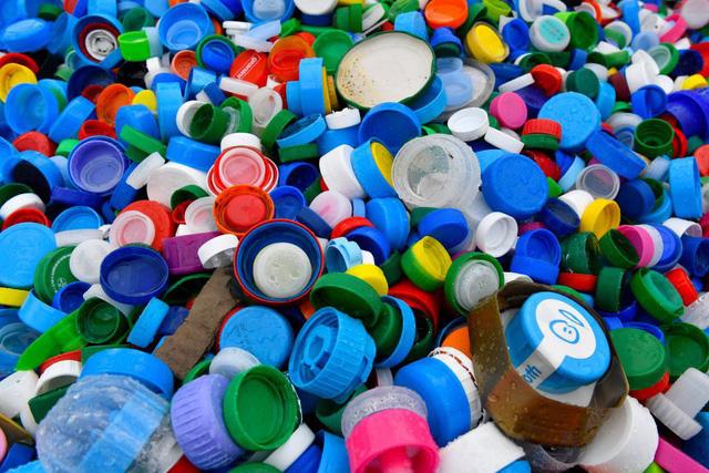 Liên minh châu Âu nhất trí cấm hầu hết sản phẩm nhựa dùng một lần - Ảnh 1.