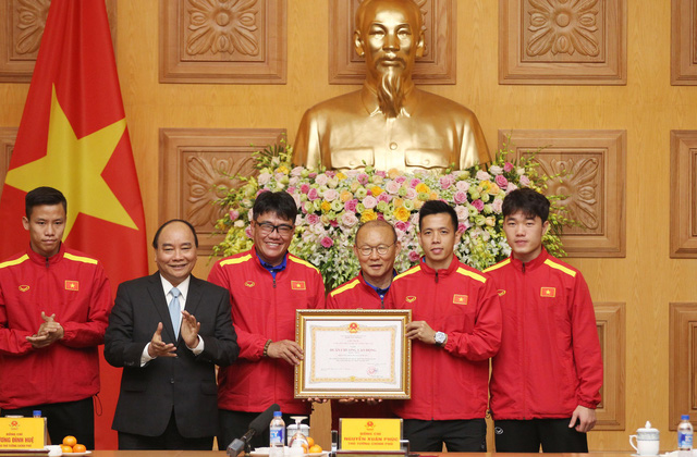 Thủ tướng trao Huân chương Lao động hạng nhất cho đội tuyển VN - Ảnh 5.