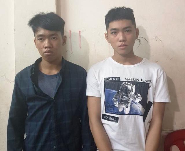 Hình sự đặc nhiệm phóng xe bắt hai thanh niên cướp giật trên phố - Ảnh 1.
