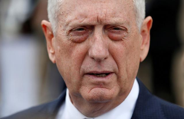 Bộ trưởng Quốc phòng Mỹ từ chức vì không đồng tình với ông Trump - Ảnh 1.