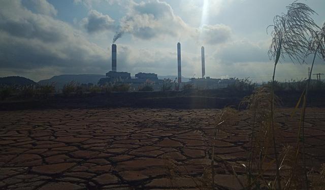 Xử lý nghiêm nhà máy Nhiệt điện Mông Dương 1 để xỉ thải đổ sai quy định - Ảnh 2.