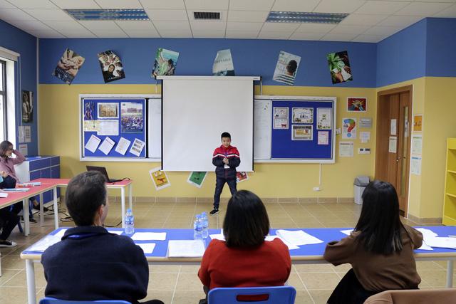 Đông đảo trẻ em tham gia Festival Trạng Nguyên Tiếng Anh - Ảnh 2.
