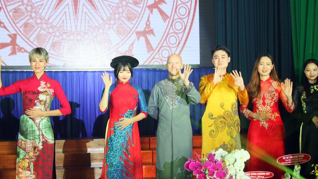 Đào tạo tiếng Việt cho học viên 95 nước, vùng lãnh thổ - Ảnh 1.