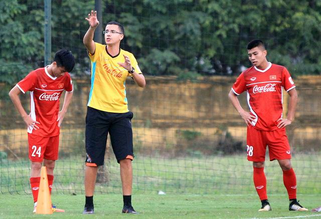 HLV Park Hang Seo vắng mặt, đội tuyển VN có HLV thể lực mới - Ảnh 1.