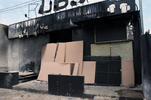 Bộ Công an phối hợp khám nghiệm hiện trường quán nhậu cháy 6 người chết - Ảnh 4.