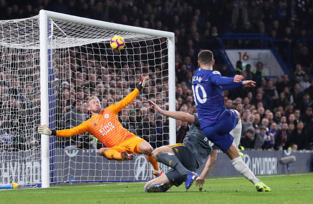 Vardy 'nổ súng', Leicester hạ gục Chelsea tại Stamford Bridge - Ảnh 1.