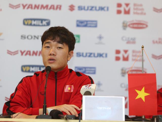 HLV Park Hang Seo cân nhắc triệu tập lại trung vệ Đình Trọng - Ảnh 2.