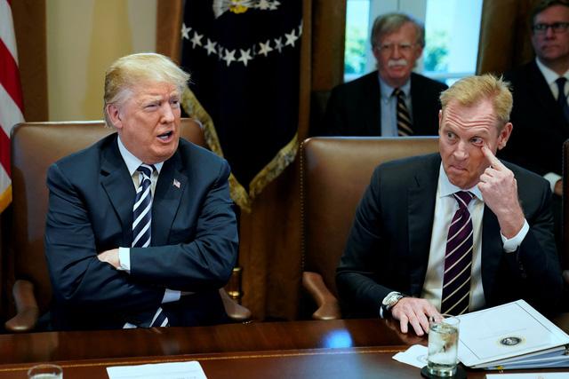 Thứ trưởng Bộ quốc phòng Mỹ nắm quyền chỉ huy Lầu năm góc sớm - Ảnh 1.
