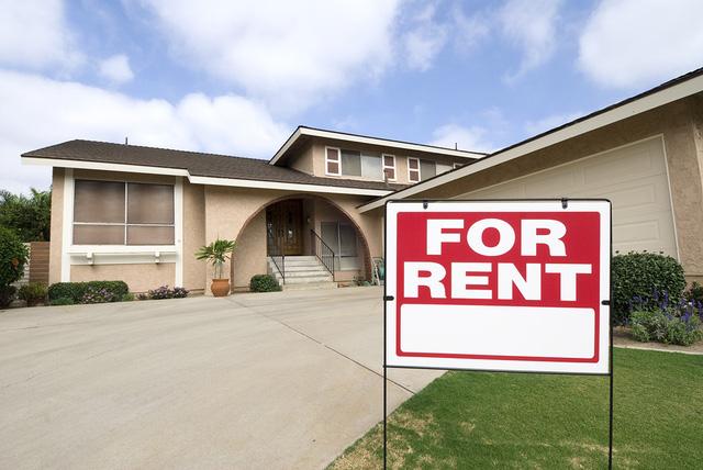 Người Mỹ chi tiền thuê nhà tăng lên mức kỷ lục - Ảnh 1.
