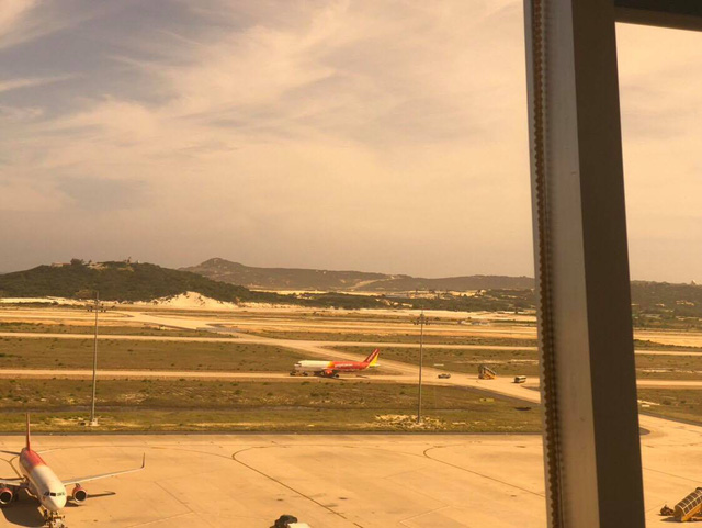 Máy bay Vietjet đáp đường băng chưa khai thác, Cục Hàng không nhập cuộc - Ảnh 1.