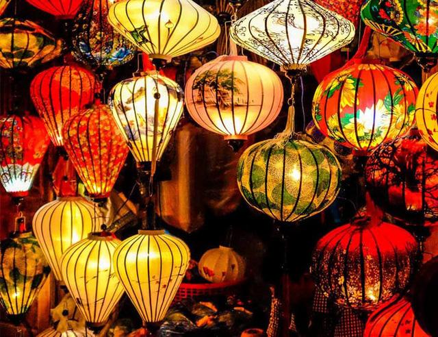 3.000 đèn lồng thắp sáng Hội An, đón chào năm mới - Ảnh 1.