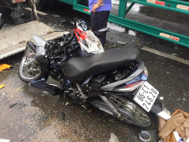 Tai nạn liên hoàn trên quốc lộ 1, 3 người thương vong - Ảnh 2.