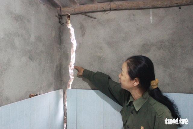 Hàng chục hộ dân mất ăn mất ngủ vì nổ mìn tại Quảng Ninh - Ảnh 1.
