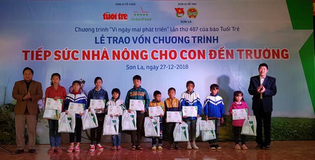 Trao vốn Tiếp sức nhà nông cho con đến trường tại Sơn La - Ảnh 3.
