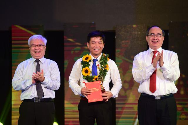 Trao quả cầu vàng cho 10 tài năng trẻ khoa học công nghệ - Ảnh 3.