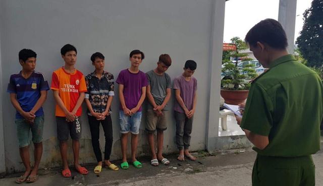 6 thanh, thiếu niên bị tạm giữ vì ném đá xe tải chiếu đèn pha - Ảnh 1.