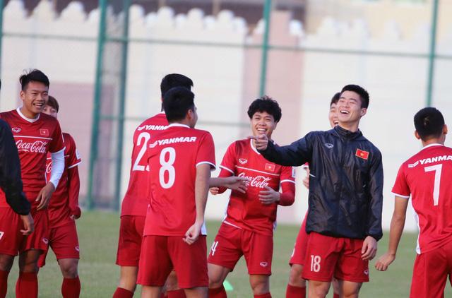Tuyển VN tập buổi đầu tiên tại Doha chuẩn bị cho Asian Cup 2019 - Ảnh 1.