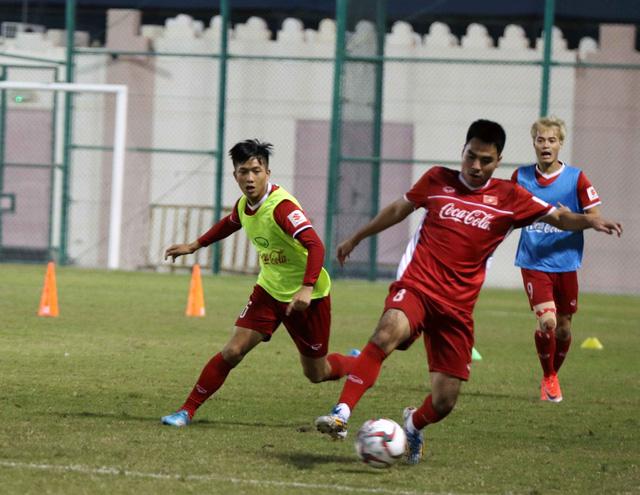 Tuyển VN tập buổi đầu tiên tại Doha chuẩn bị cho Asian Cup 2019 - Ảnh 4.
