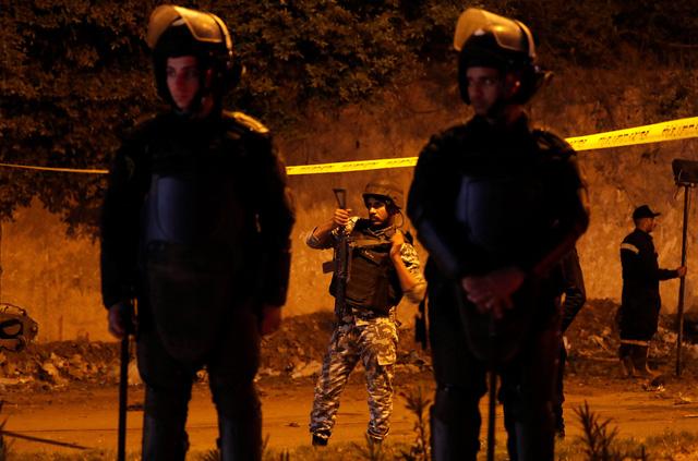 Hiện trường kinh hoàng vụ đánh bom ít nhất 4 người thiệt mạng ở Ai Cập - Ảnh 2.