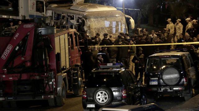 Hiện trường kinh hoàng vụ đánh bom ít nhất 4 người thiệt mạng ở Ai Cập - Ảnh 5.