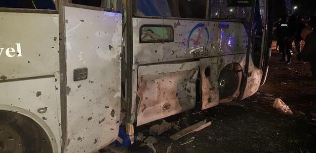 Hiện trường kinh hoàng vụ đánh bom ít nhất 4 người thiệt mạng ở Ai Cập - Ảnh 8.