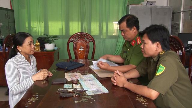 Người phụ nữ lượm ve chai trả lại 84 triệu đồng nhặt được - Ảnh 1.