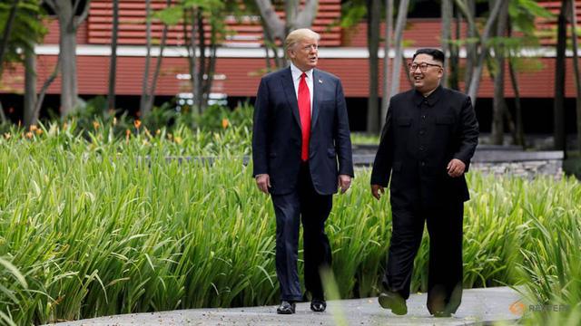 Tổng thống Trump nói sẽ thực hiện các mong muốn của ông Kim Jong Un - Ảnh 1.